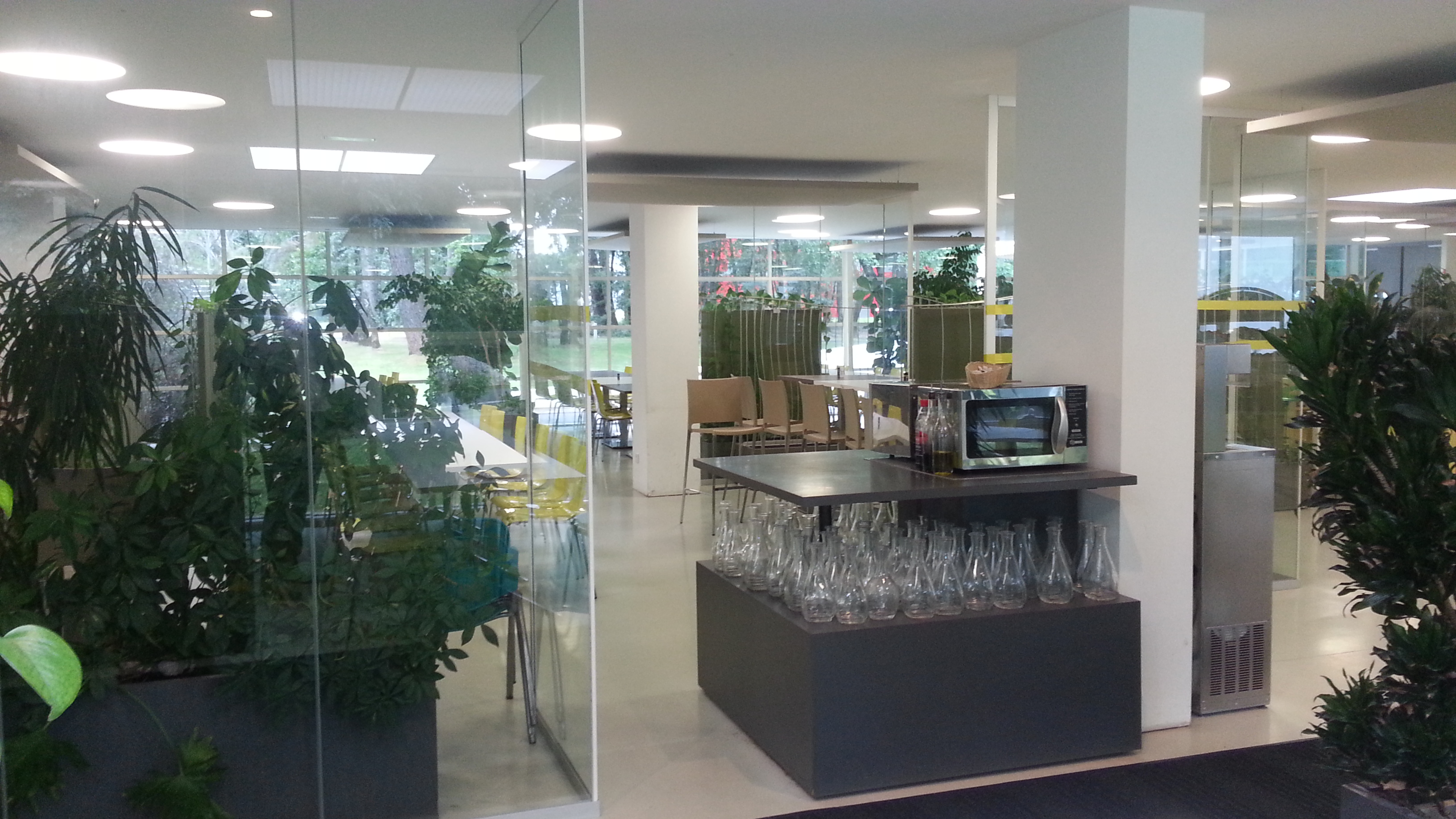 AGENCEMENT CAFETARIA ET ACCUEIL LECTRA SYSTEMS 2